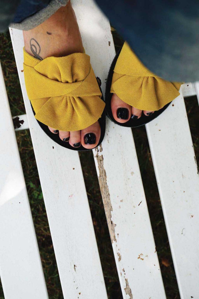 Papuci dama piele naturala FUNKY INSTYLE, galben