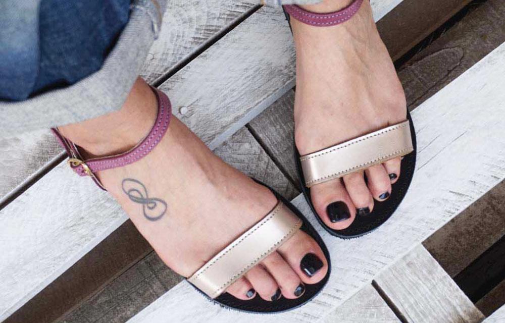 sandale-funky-casual-visiniu